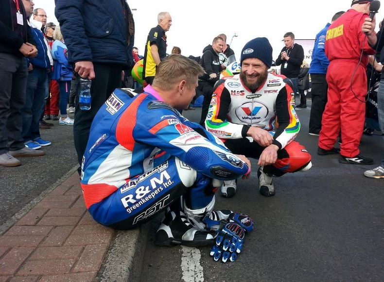 Bruce Anstey and Gary Johnson having a joke ahead of the race