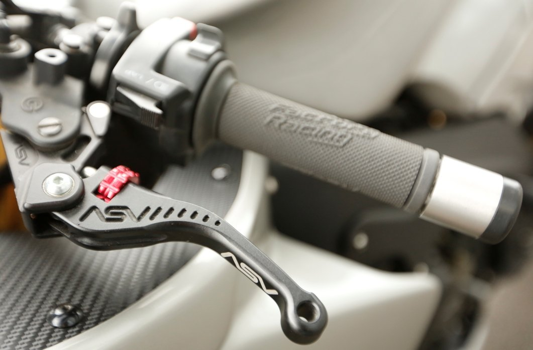 controls on motorcycle