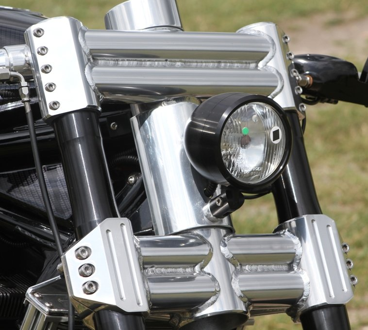 thick yokes on motorcycle