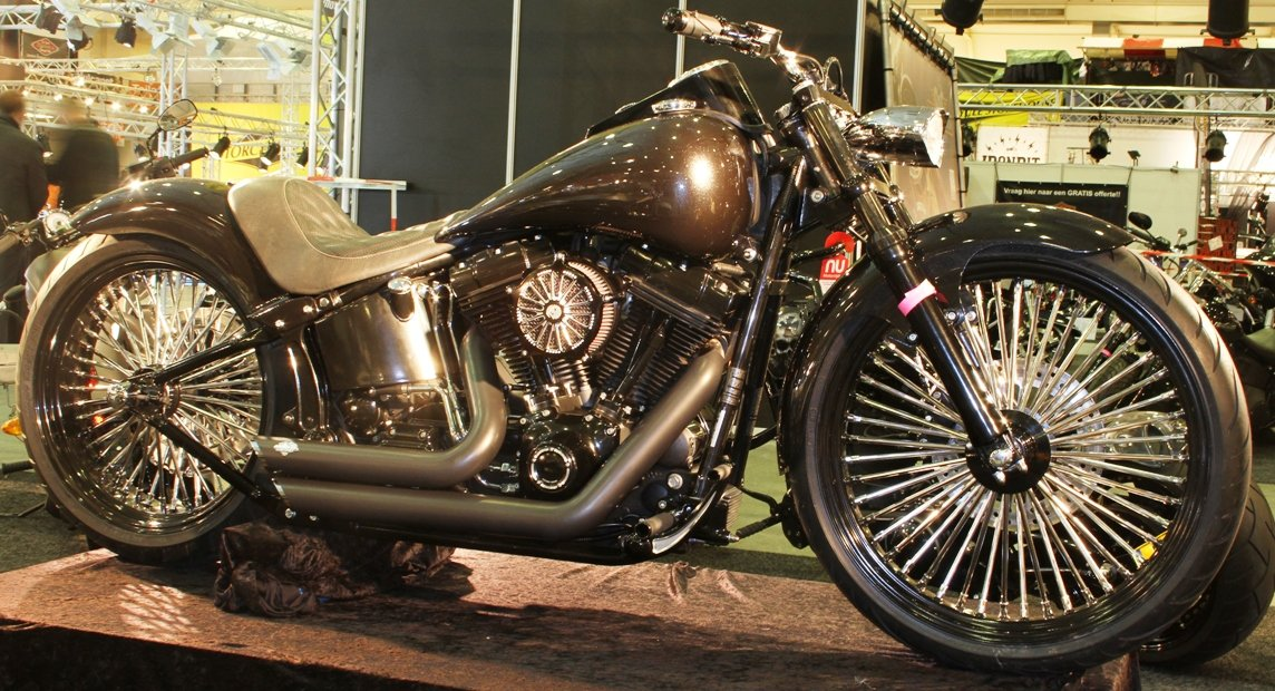Fat spokes on motorcycle