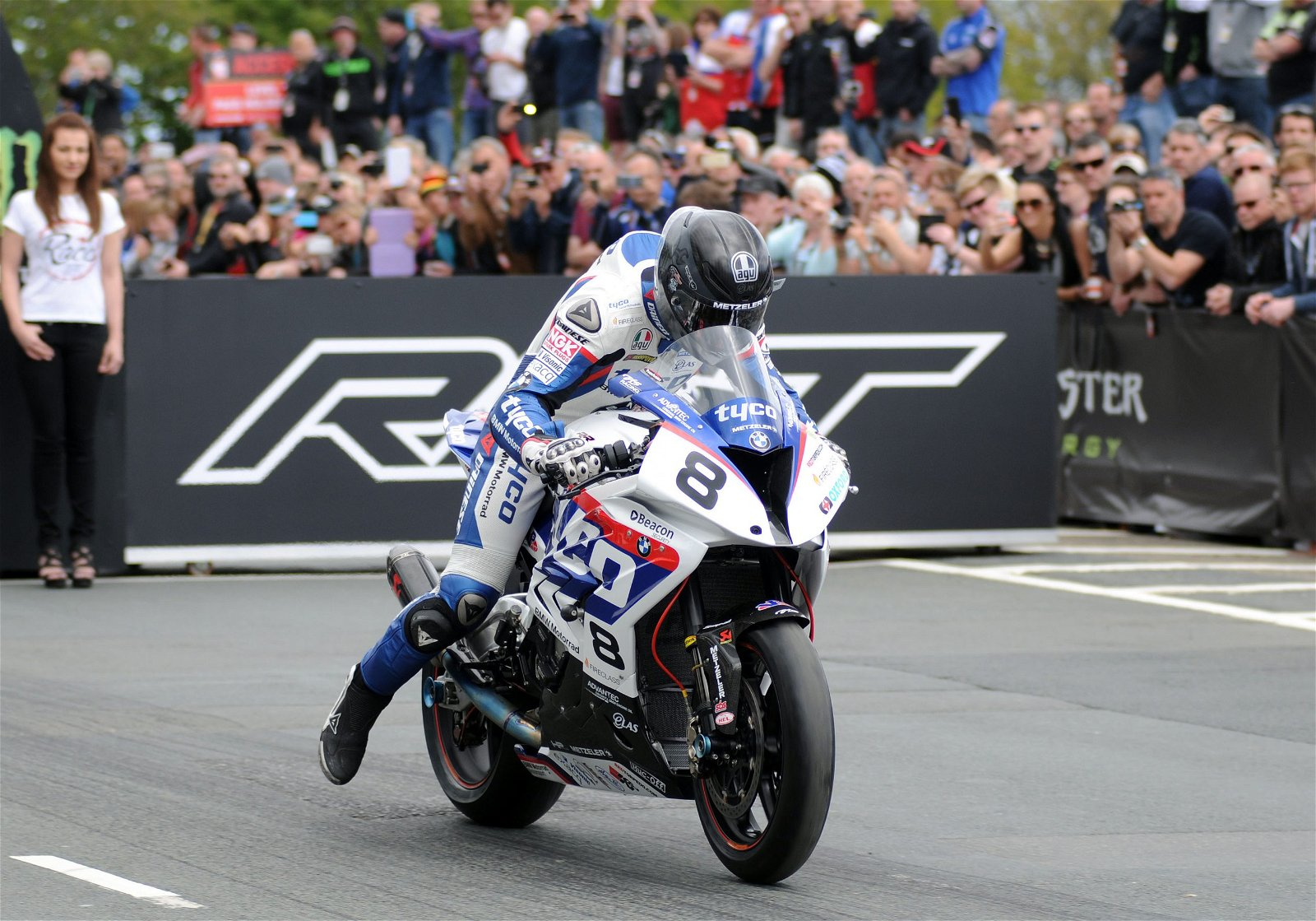 SUPERBIKE TT RACE courtesy of iomtt.com