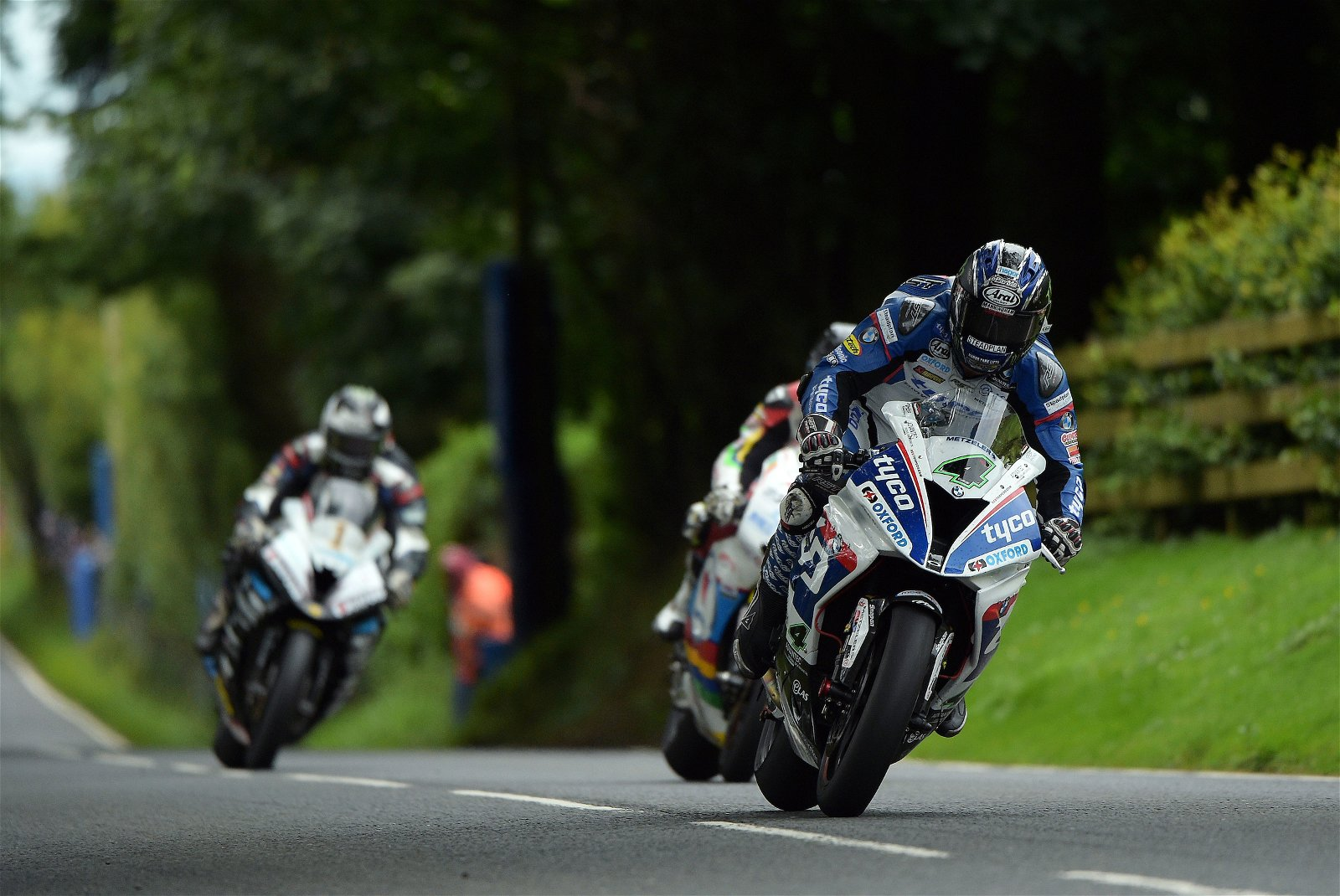 Ian Hutchinson is sticking with Tyco BMW
