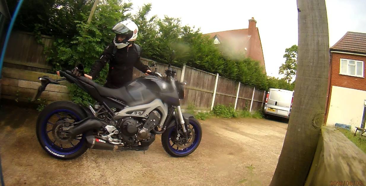 Chris.C – Yamaha MT-09