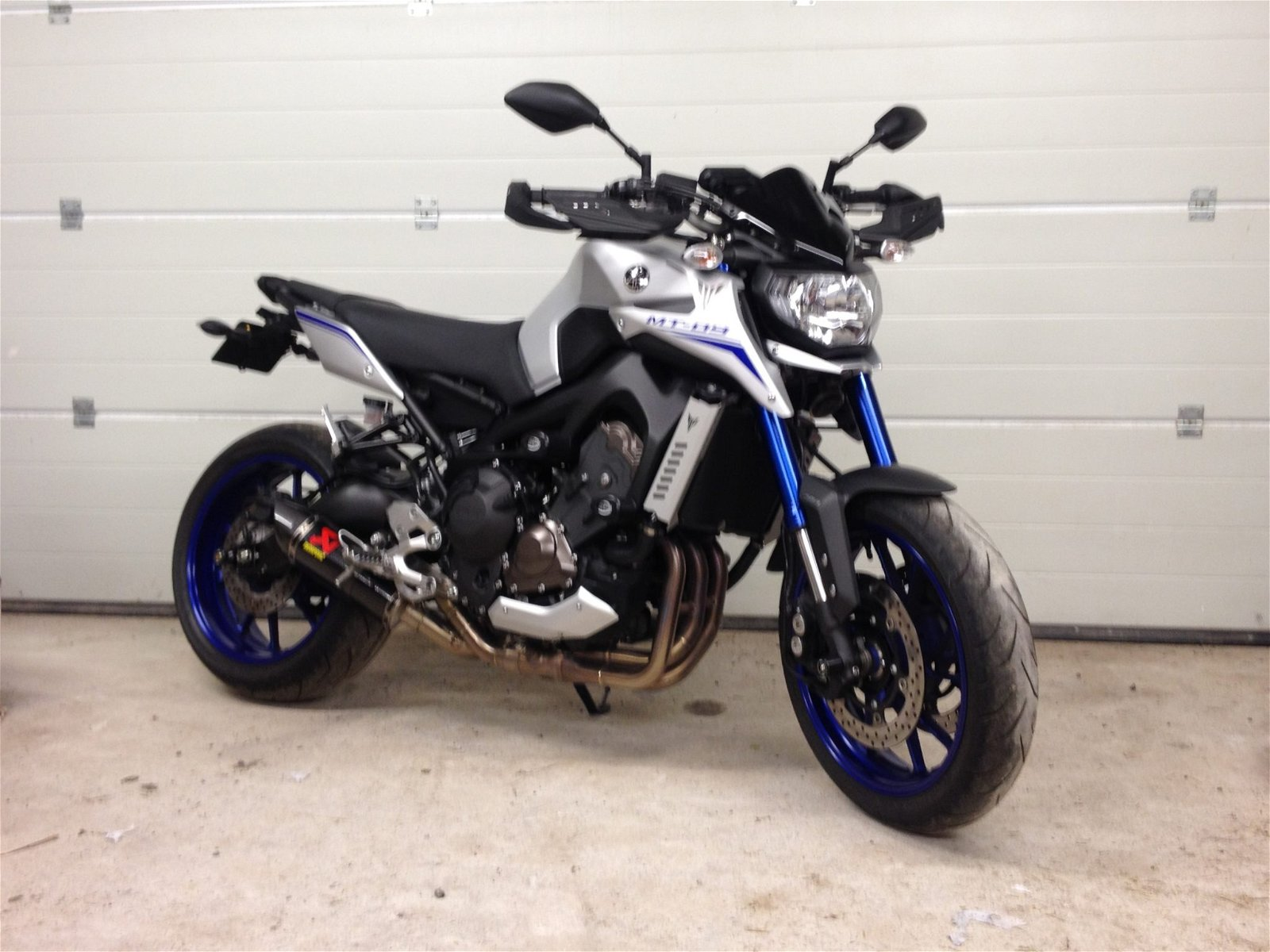 Simon – Yamaha MT-09