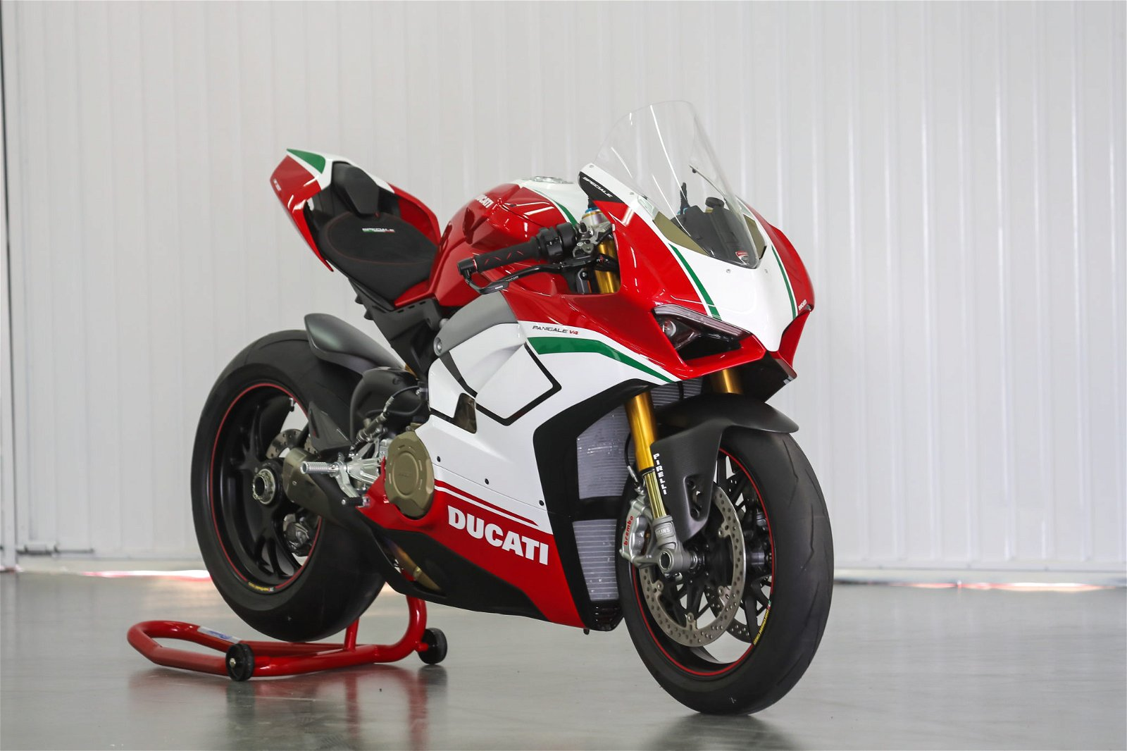 PANIGALE V4 SPECIALE 01