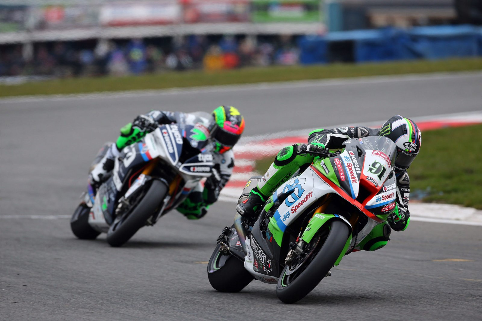 Leon Haslam in action at Donington Park