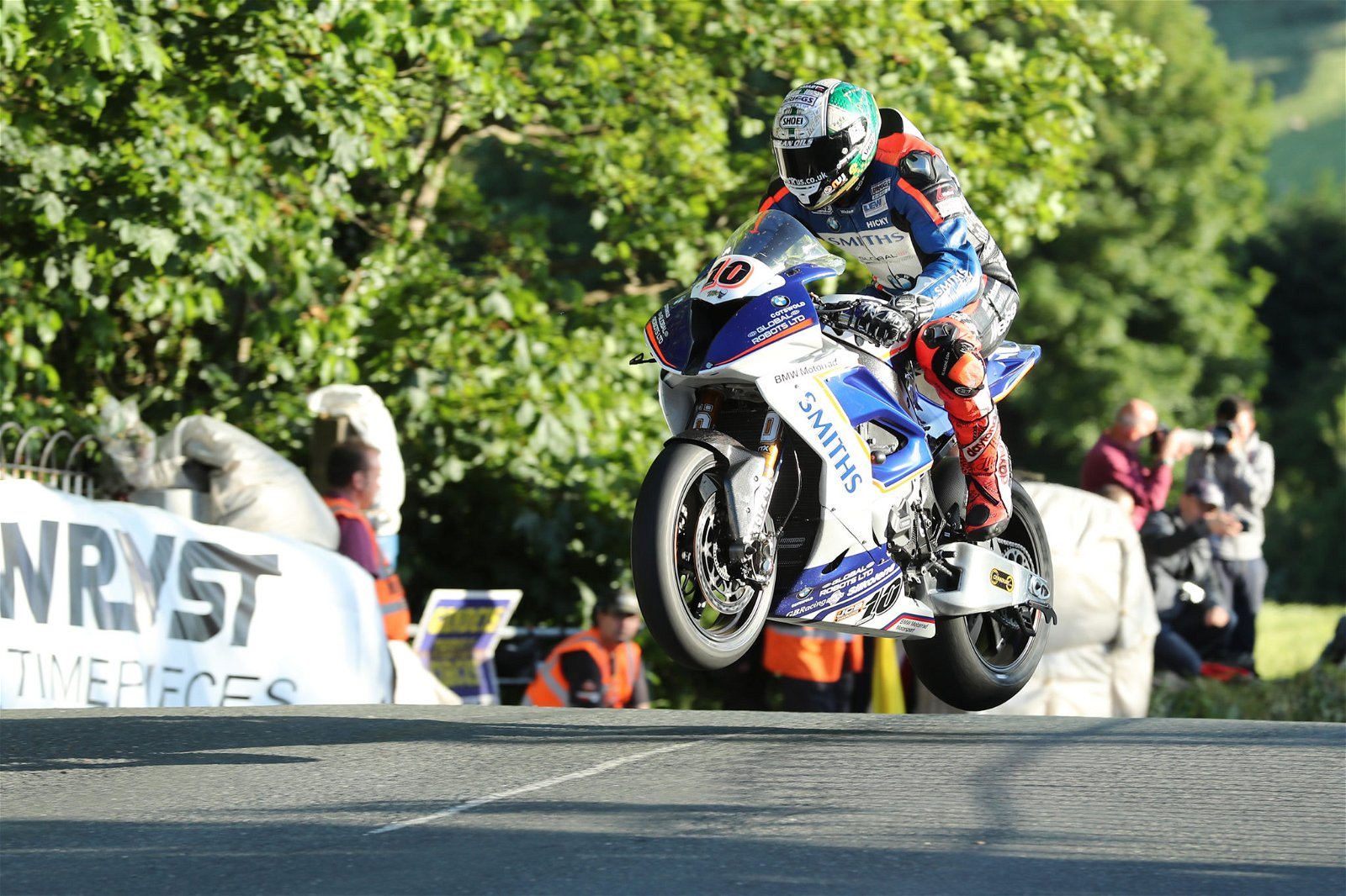 Peter Hickman at the TT in 2017 credit Pacemaker Press International