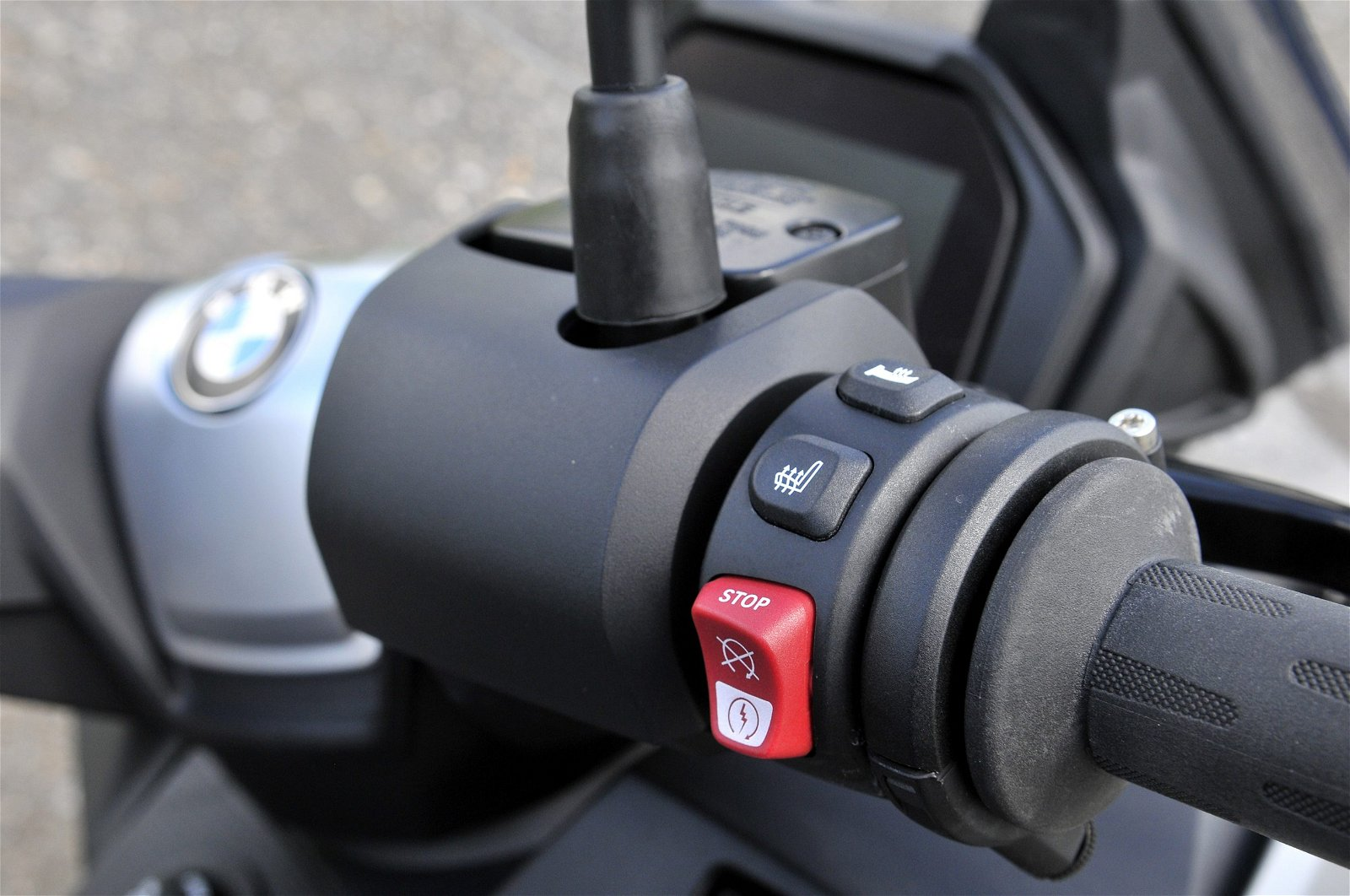 BMW C400 GT buttons