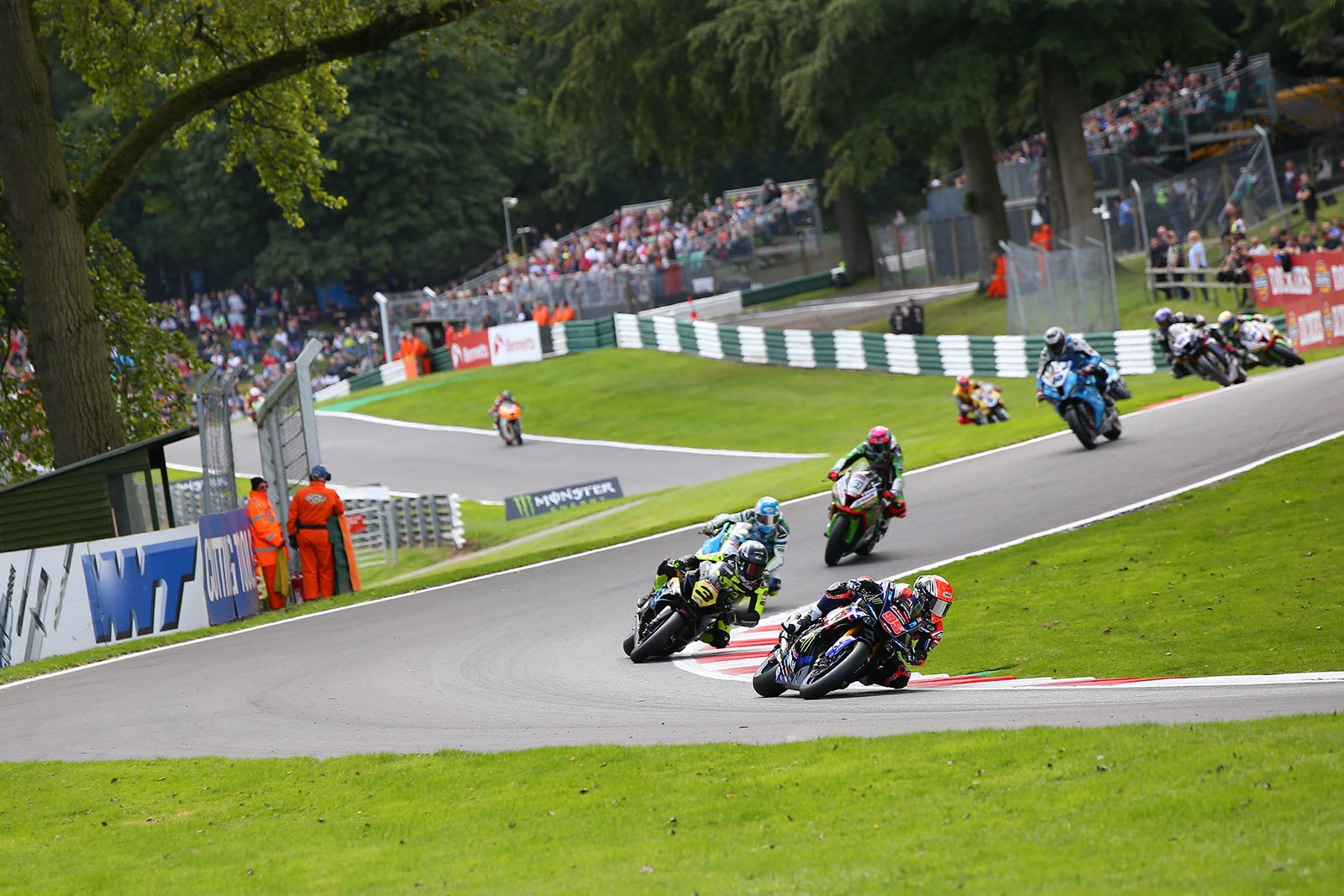Action from Cadwell Park BSB 2019